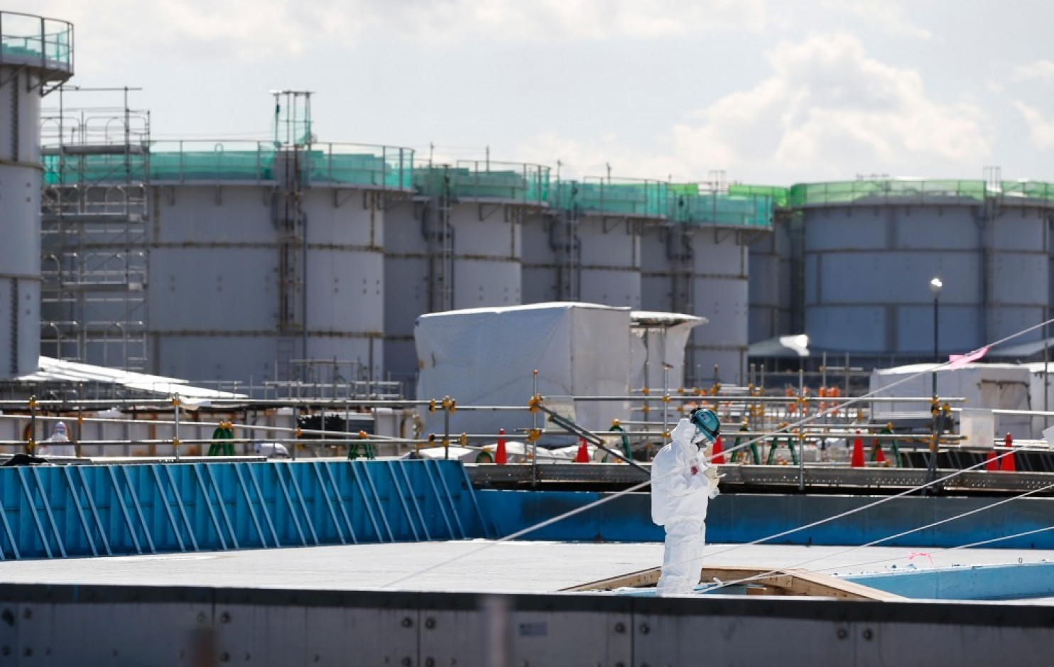 Japanese nuclear plant just recorded an astronomical radiation level. Should we be worried?